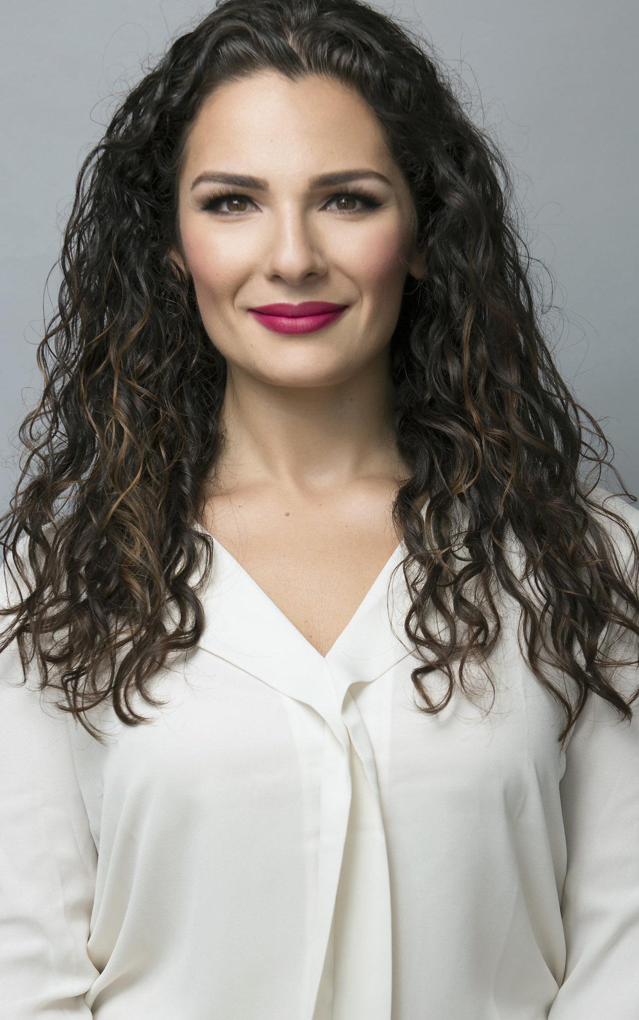 Jeannie E